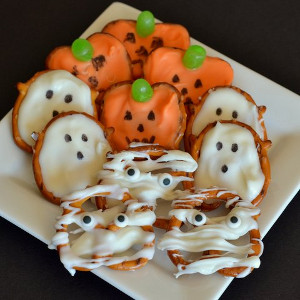 Pretzel Halloween Treats